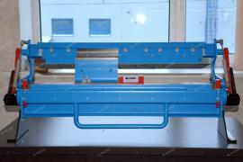 Bending machine for segment checkers
